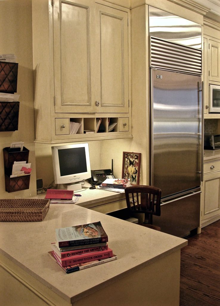 desk-kitchen2